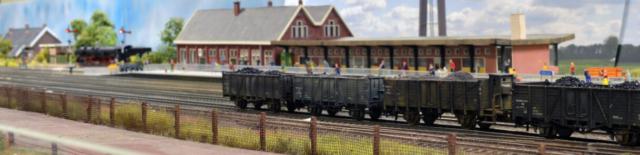 Goederenwagons voor station Oldenzaal.